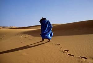 hombre desierto
